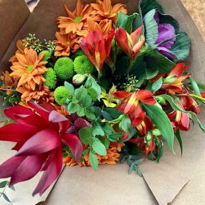fresh-local-floral-arrangement-kelowna-delivery